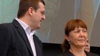 Cristian Preda o ataca pe Macovei: Blatul corupe memoria