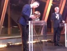 Cristiano Ronaldo a castigat Balonul de Aur 2017 (Video)