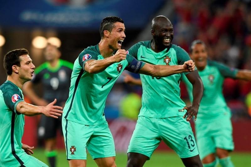 Cristiano Ronaldo califica Portugalia in finala EURO 2016