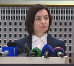 """Criza din R. Moldova: Sedinte de guvern paralele, decizii luate in Parlamentul """"dizolvat"""", demiteri si institutii pazite de mascati (Video) UPDATE"""