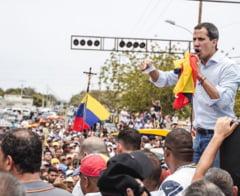 "Criza din Venezuela se adanceste: Guaido il acuza pe Maduro de ""terorism statal"""