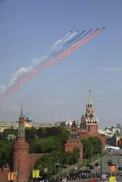 Criza geopolitica si ieftinirea petrolului pun probleme Rusiei: Cati bani va pierde
