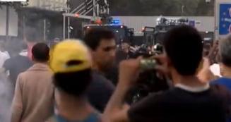 Criza imigrantilor da in clocot in Ungaria: Blindate si tunuri de apa la granita (Video)