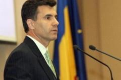 Croitoru: Isarescu a identificat doua atacuri speculative asupra monedei nationale