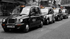 Cu cât a ajuns să fie plătit un șofer de taxi la Londra. Salariile generoase oferite pe fondul crizei angajărilor din Marea Britanie