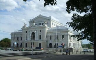 Cu ce sacrificii s-a ridicat palatul cultural din Severin: politicianul Theodor Costescu si-a vandut casa si pamantul pentru construirea teatrului