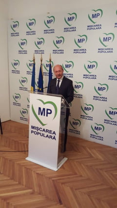 Cu cine merge Basescu in alegeri si reactie la Cracea: Sper ca printre voi mai sunt si casatoriti!