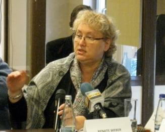 Cu cine vor PNL si UDMR s-o inlocuiasca pe Renate Weber din functia de avocat al poporului. Lista scurta a coalitiei de guvernare