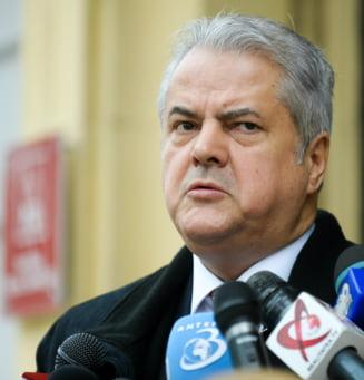 Cu doua condamnari la activ, Nastase e inca avocat - Ce spune seful Baroului Bucuresti