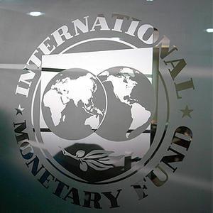 Cu sau fara FMI? Cum s-au descurcat Romania si Ungaria