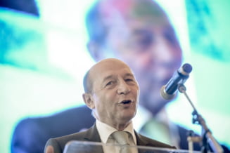 Cui ii mai pasa de Traian Basescu?