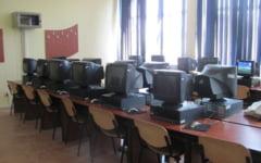 Culmea informaticii la liceu: o singura imprimanta la 800 de elevi, computere antice si softuri stravechi