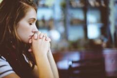 """Cum încearcă Facebook să îi câștige pe credincioși. A angajat oameni dedicați """"parteneriatelor pentru credință"""" și a lansat o funcție pentru rugăciuni"""