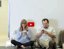 "Cum ""demoleaza"" Samsung concurenta Apple intr-o reclama controversata (video)"