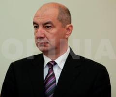 """Cum a ajuns Buzaul viesparul coruptiei romanesti (I) / Deputatul UNPR Titi Holban, din bratele fetelor ,,Doamnei Marta"""" in cele ale colegilor care l-au scapat de arest"""