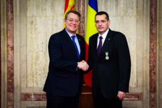 Cum a ajuns ministrul Toba sa fie decorat in Spania