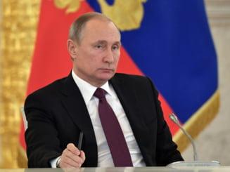 Cum a cucerit Vladimir Putin America? Hackerul, soldatul perfect