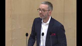 Cum a dovedit liderul extremei drepte din Austria că nu s-a vaccinat după ce s-a zvonit că s-a imunizat în secret
