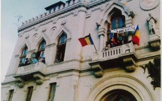 "Cum a inceput ""revolutia sexuala"" in Romania post-comunista. Indemnul din 22 decembrie 1989 in balconul sediului PCR: ""F***ti-va, fetelor, ca e libertate!"""