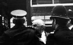 """Cum a perturbat Ion Ratiu vizita lui Ceausescu la regina Marii Britanii. """"Am stat patru ore in inchisoare"""""""