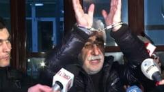 Cum a ramas Adrian Sarbu fara doua costume, in arestul Politiei Capitalei
