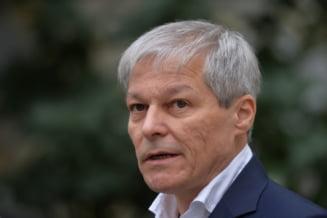Cum a reușit Dacian Cioloș să-i ia fața lui Barna în prima rundă de alegeri din USR PLUS. Rolul ieșirii de la guvernare