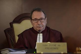 Cum a vrut CCR sa se judece singura, dar Inalta Curte n-a lasat-o. Motivarea unei decizii care a impiedicat cenzura la CCR