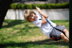 Cum amenajezi gradina pentru distractia copiilor?
