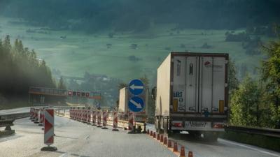 """Cum ar putea fi taxati transportatorii de marfuri pe autostrazi: """"Fiecare plateste pentru cat duce si pe ce distanta"""""""