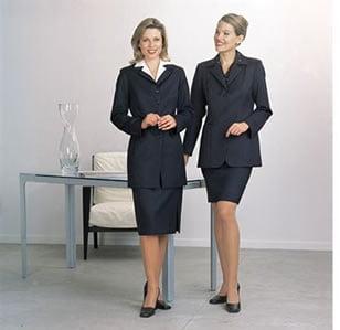 Cum ar trebui sa se imbrace femeile la serviciu