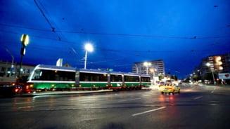 Cum arată tramvaiele din Polonia aduse la Iasi. Primarul se laudă că este primul astfel de vehicul nou cumpărat în 45 de ani VIDEO