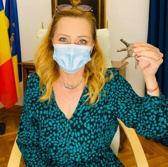"""Cum arata """"cuibusorul"""" PSD-istilor din Campulung Muscel. Elena Lasconi le-a schimbat yala"""