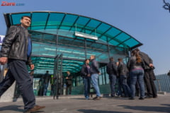 """Cum arata cele doua statii de metrou deschise azi in Bucuresti: Trenurile sunt vechi de 30 de ani, dar """"au fost igienizate"""" (Galerie foto)"""
