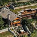 Cum arata impresionanta vila de 127 milioane de dolari a lui Bill Gates. Are sase bucatarii, propria sala de teatru si o biblioteca uriasa VIDEO