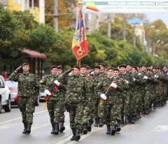 Cum arata noile uniforme combat ale Armatei Romane (Video)