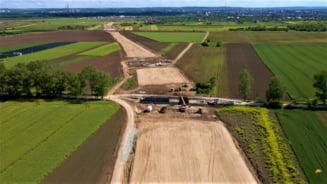 Cum arata santierul noului drum catre vama Giurgiu-Ruse. Soseaua este construita integral in beton, raritate in infrastructura din Romania VIDEO