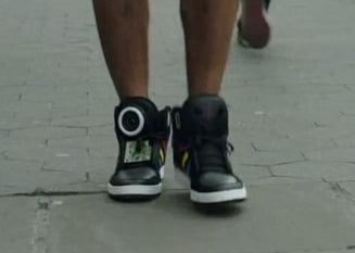 Cum arata si ce stiu sa faca pantofii sport vorbitori de la Google (Galerie foto, video)