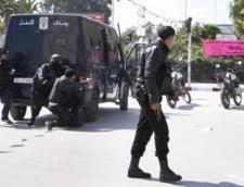 Cum au scapat teferi doi turisti dupa atentatul din Tunisia