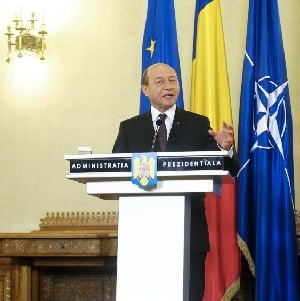 Cum comenteaza analistii discursul lui Basescu