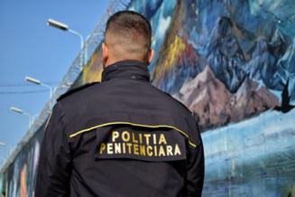"""Cum dau pușcăriașii țepe de zeci de mii de euro prin metoda """"Accidentul"""". Telefoane băgate în închisoare cu drona"""