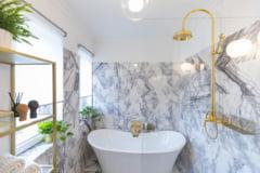 Cum decorezi o baie rustica si practica?
