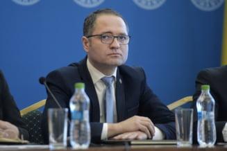 Cum explica ministrul Sportului ca si-a aprins o tigara in Parlament, la sedinta PSD