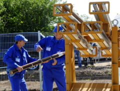 "Cum functioneaza sistemul anti-grindina in Romania. Fermier: ""Se trage cu rachete la intamplare"""