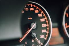 Cum iți cumperi o mașină nouă sau second-hand. Ponturi de economisire și siguranță