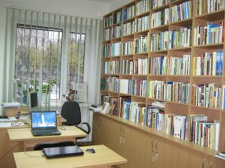 Cum infloreste singura biblioteca romaneasca din Cernauti, cu numai trei angajati