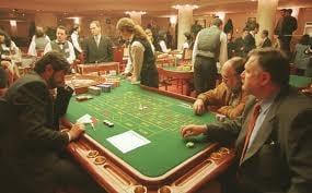 Cum isi spala Guvernul obrazul: Creste taxa de intrare in cazinouri