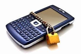 Cum iti poti proteja telefonul de spioni