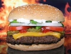 Cum lupta Marea Britanie impotriva COVID-19: Reclamele la mancarea de tip fast-food vor fi interzise dupa ora 21.00