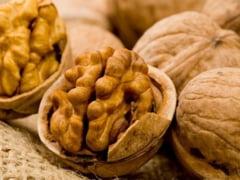 Cum ne ajuta consumul de nuci, denumite si fructele inteligentei
