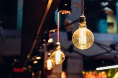 Cum platesc romanii pentru scumpirile de electricitate la consumatorii industriali